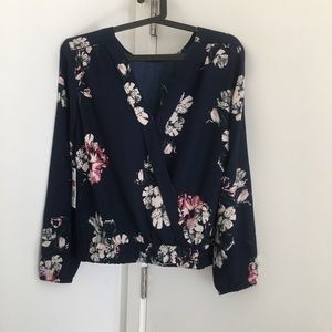 NWT brand new flower top - Size S